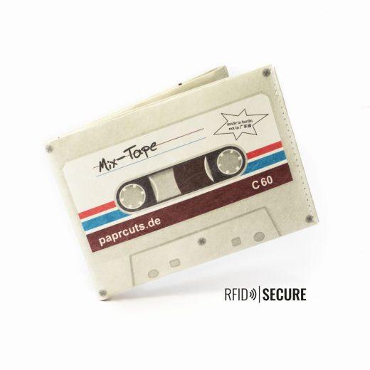 Paprcuts_Wallet_RFID_Mixtape_flying-10