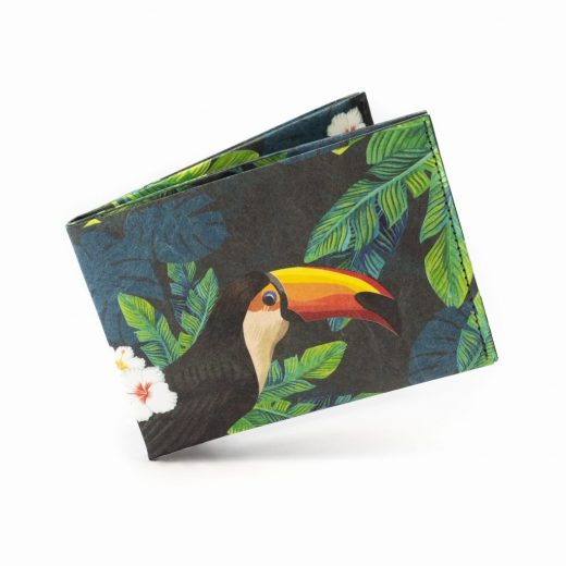 Paprcuts_Wallet_RFID_Tucano_flying-9