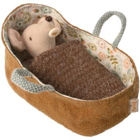 maileg - Baby mouse in carrycot 01