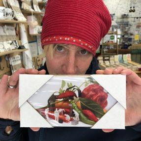 """Jannis Miniaturwelten - """"CSI an der offenene Chilli-Schote"""" - kleines Bild 200x100 mm"""