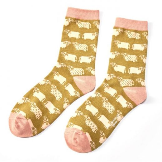 miss-sparrow-socken-bamboo-cute-cows-olive