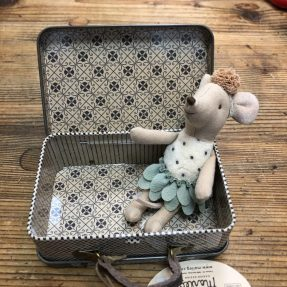 Maileg - Little Miss Mouse in suitcase, little sister