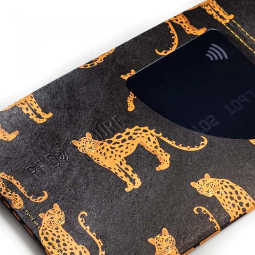 Paprcuts_Wallet_RFID_Leopard_detail-2